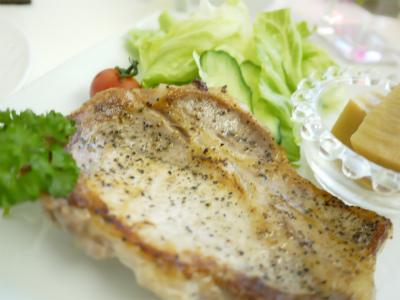 美容鍼灸東京豊島区文京区新宿区耳つぼダイエット
